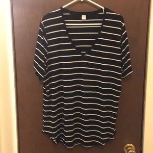 ❤️2 for 15 ❤️ Old Navy luxe stripped swing tee